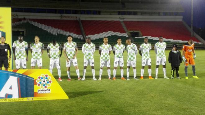 Los jugadores de Chicó, antes de empezar un partido.