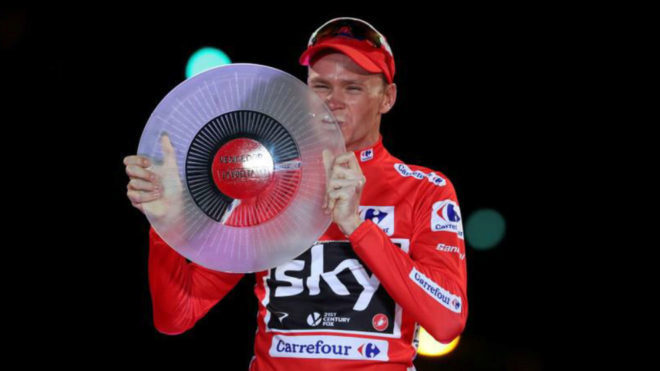 Froome en el podio tras su triunfo en la Vuelta a España