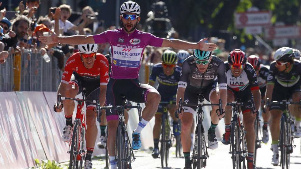 Gaviria gana un esprint en una etapa del Giro de Italia