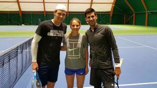 Kostyuk, al lado de Berdych y Djokovic