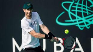 Murray durante el torneo de exhibición de Abu Dhabi