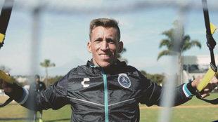 Nicolás Vikonis en su primer entrenamiento con el Puebla