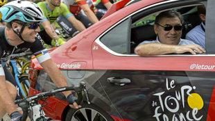 Mark Cavendish sonriendo junto al gran Eddy Merckx