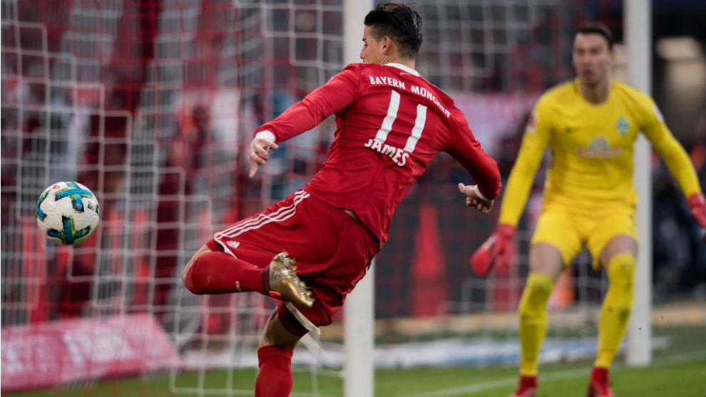 James remata con la zurda en un partido con el Bayern