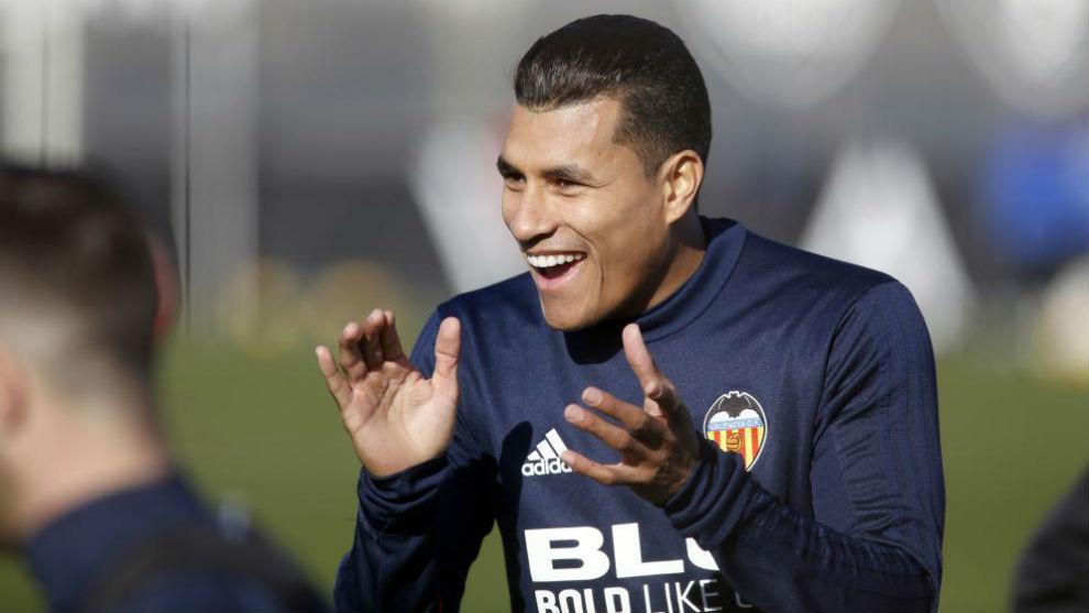Murillo, durante un entrenamiento del Valencia