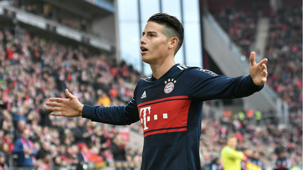James celebra el gol que supuso el 0-2 para el Bayern