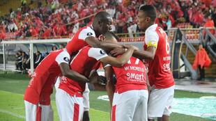Celebración del primer gol de Morelo