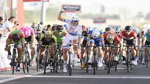 El velocista del Emirates se lleva la primera etapa