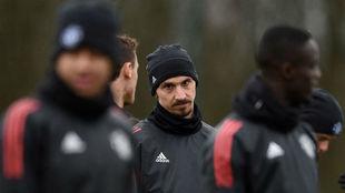 Ibrahimovic, durante un entrenamiento del Manchester United esta...
