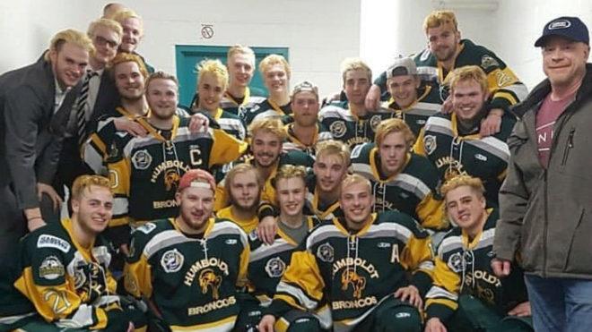 14 miembros de un equipo de hockey murieron en accidente en Canadá