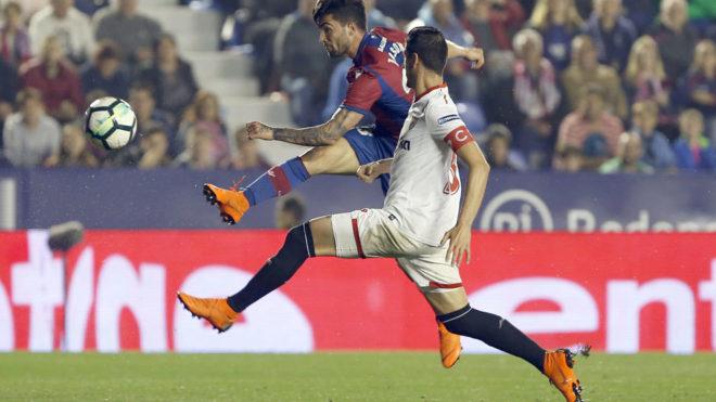 Miguel Layún tiene nuevo entrenador en el Sevilla