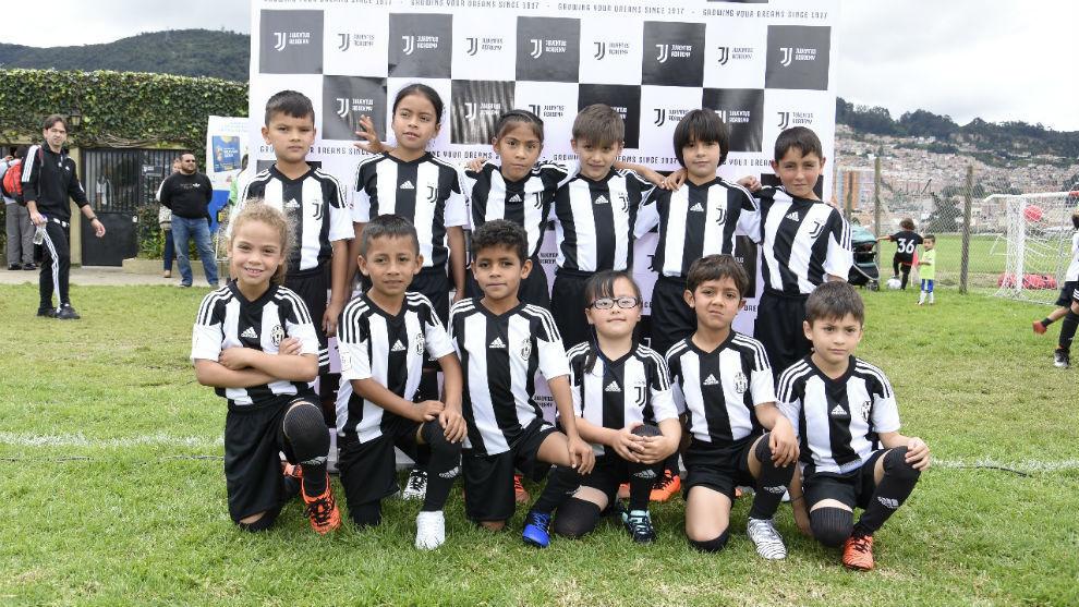 Juventus Academy beca a 12 niños de escasos recursos en Bogotá ... 17b288e672501