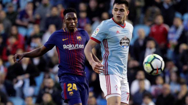 Yerry Mina y Maxi Gómez, durante el Celta-Barcelona.