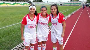 Las goleadoras Liana Salazar, Leicy Santos y Oriana Altuve