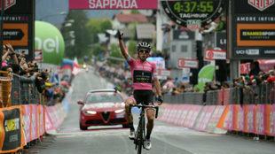 Yates y su tercer triunfo de etapa