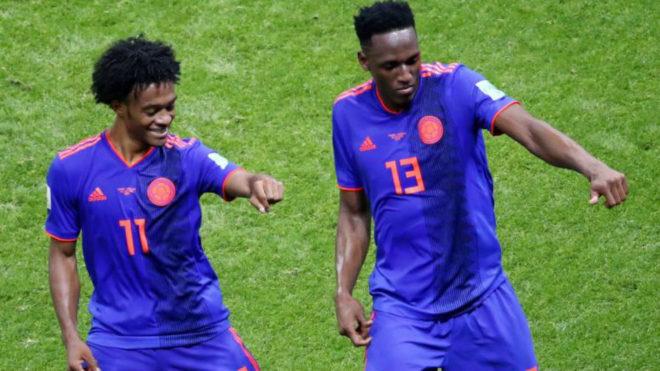 Cuadrado y Mina celebran el gol del primero con un baile.