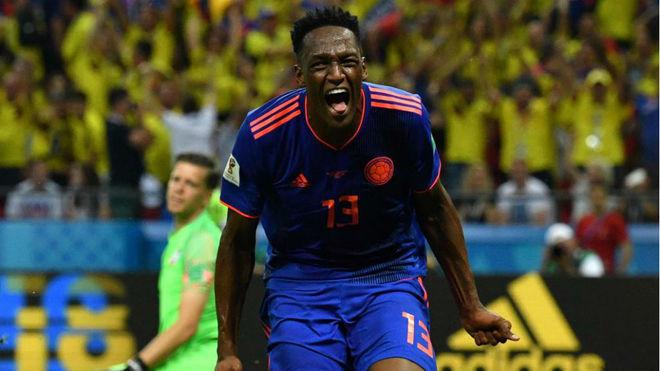 Yerry Mina celebra el gol que le marcó a Polonia