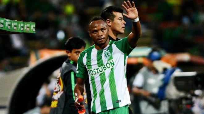 Defensor colombiano Camilo Zúñiga anunció su retiro del fútbol
