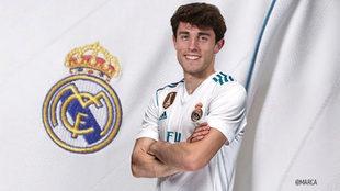 Álvaro Odriozola, con la camiseta del Real Madrid