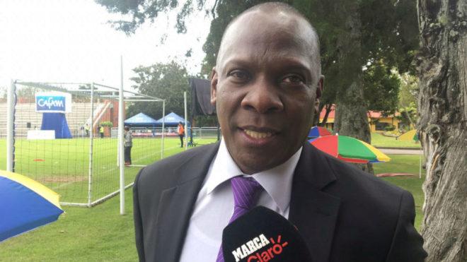 Jair Mina, tío y representante de Yerry, durante su entrevista con...