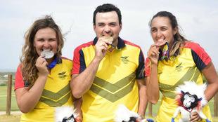 Rozo, Serrano y Hurtado con sus respectivas medallas