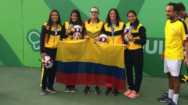 El equipo femenino de Colombia en los juegos