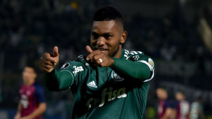 Dos goles más para el goleador colombiano