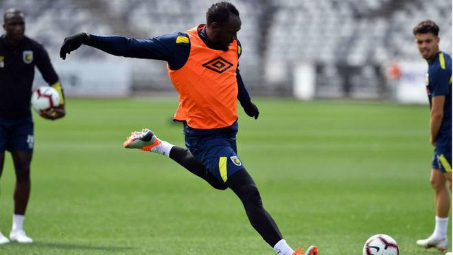 (VIDEO) Usain Bolt ya tiene fecha para debutar como futbolista
