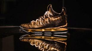 Las zapatillas de LeBron James de 100.000 dólares.