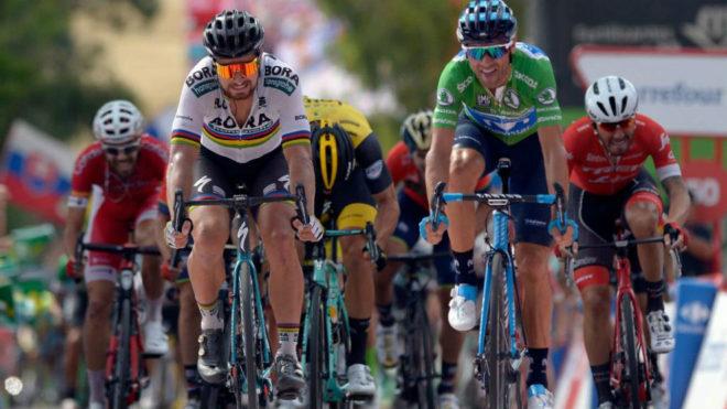 Valverde en el esprint junto a Sagan / Jorge Guerrero