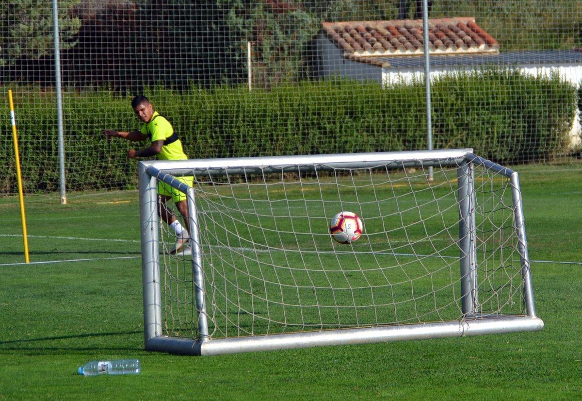 'El Cucho' Hernández en uno de los entrenamientos con el Huesca...