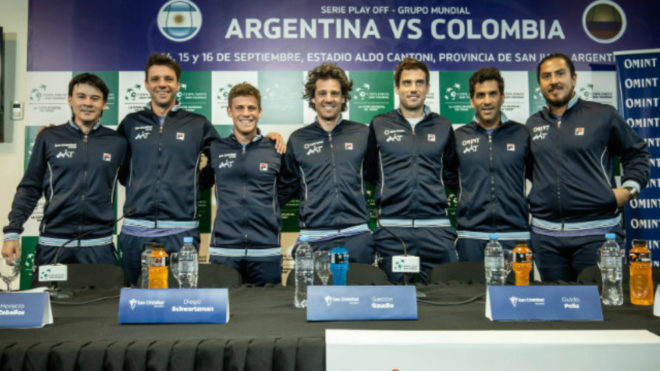 Equipo argentino de izquierda a derecha: Guillermo Coria, Horacio...