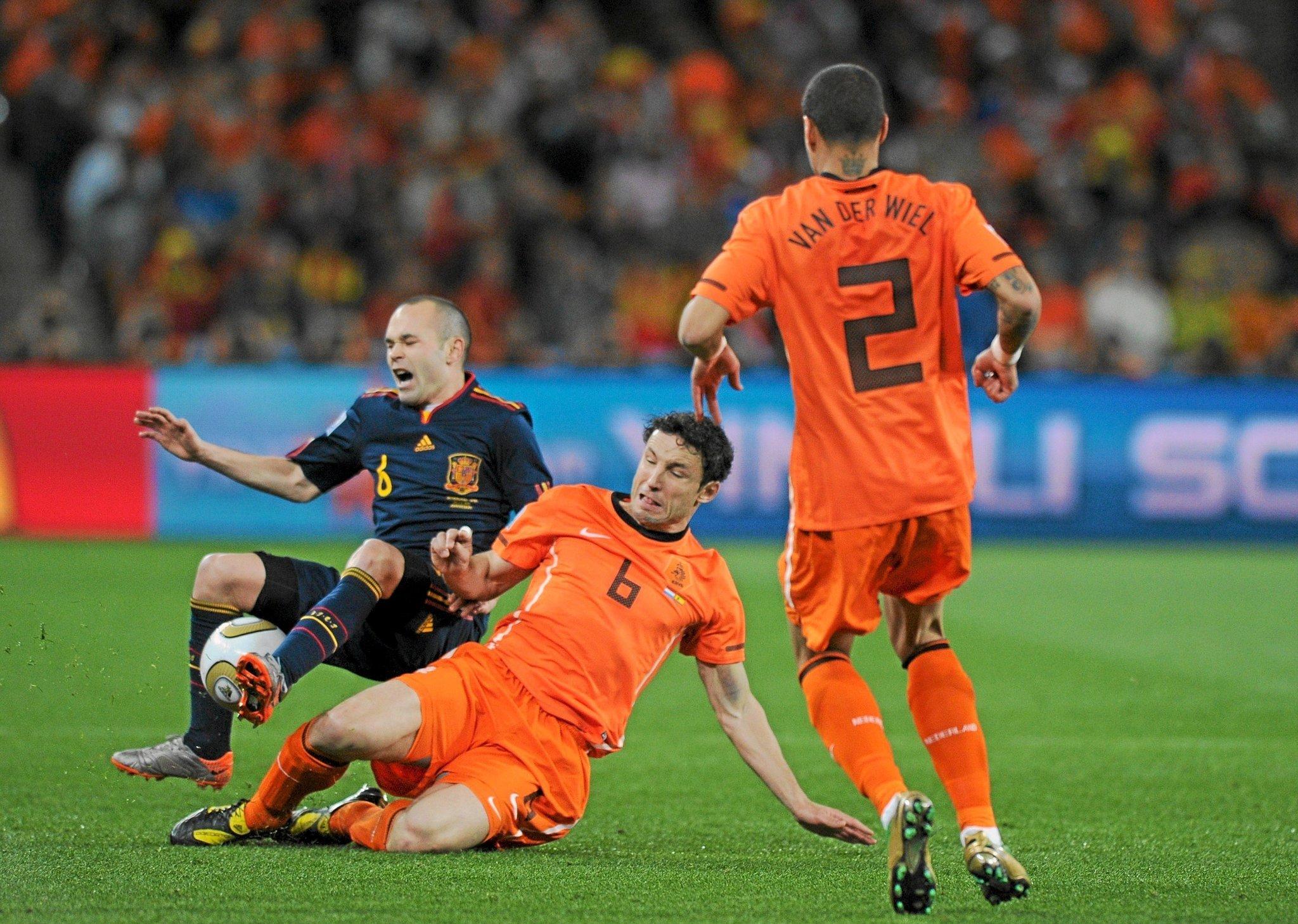 Barcelona y Messi aplastan al PSV de los mexicanos