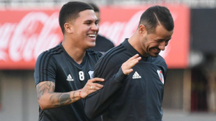 Juan Fernando Quintero y Rodrigo Mora durante un entrenamiento.
