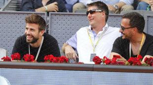 Gerard Piqué, a la izquierda, durante el Mutua Madrid Open / David...