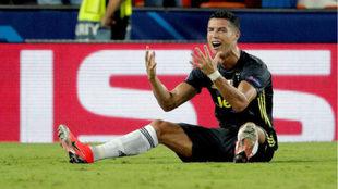 Cristiano se lamenta tras ser expulsado frente al Valencia