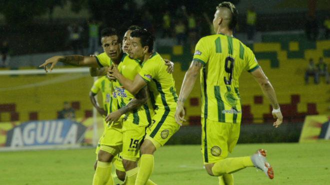 Millonarios a semifinales tras vencer a Jaguares en los penaltis — Copa Águila