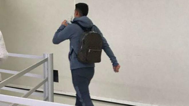 James se marcha del Allianz 10 minutos después del término del...