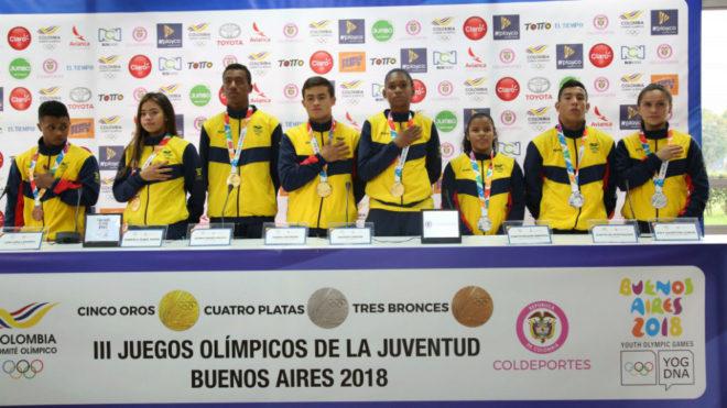 Los atletas nacionales estuvieron muy amables con los diferentes...