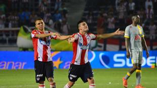 Guillermo Celis festeja el tanto del triunfo de Junior en el último...