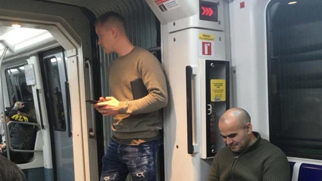 Ter Stegen también viaja en metro.