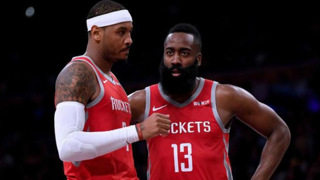 Carmelo Anthony junto a James Harden en un partido de los Rockets / GTY_AR_SPO