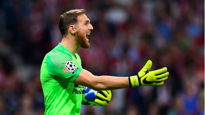 Oblak gesticulates during a game with Atl