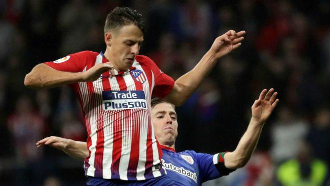 Santiago Arias podría ser titular frente al Barcelona