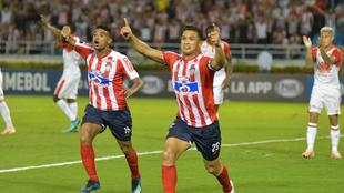 Teófilo Gutiérrez festeja su gol ante Santa Fe en Barranquilla.