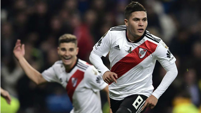Quintero celebra el 2-1 en el Bernabéu