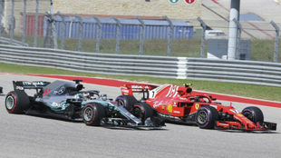 El Mercedes W09 de Hamilton, emparejado al Ferrari SF71H de Raikkonen