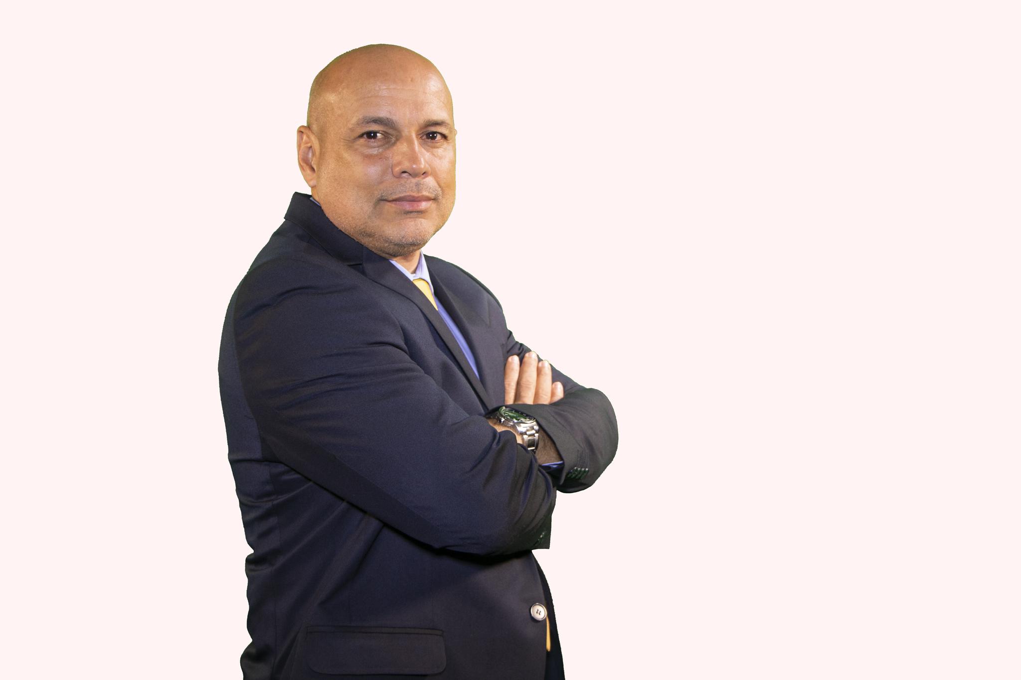 Juan Carlos Restrepo, padre adoptivo de James.