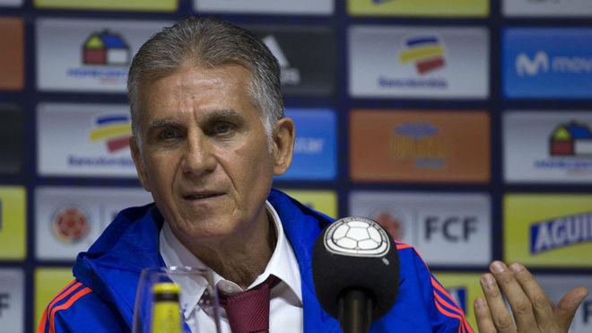 Queiroz en la rueda de su presentación como selccionador de Colombia.