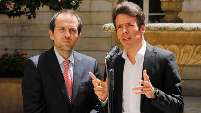 Urán junto a Ernesto Lucena, director de Coldeportes / Presidencia de...